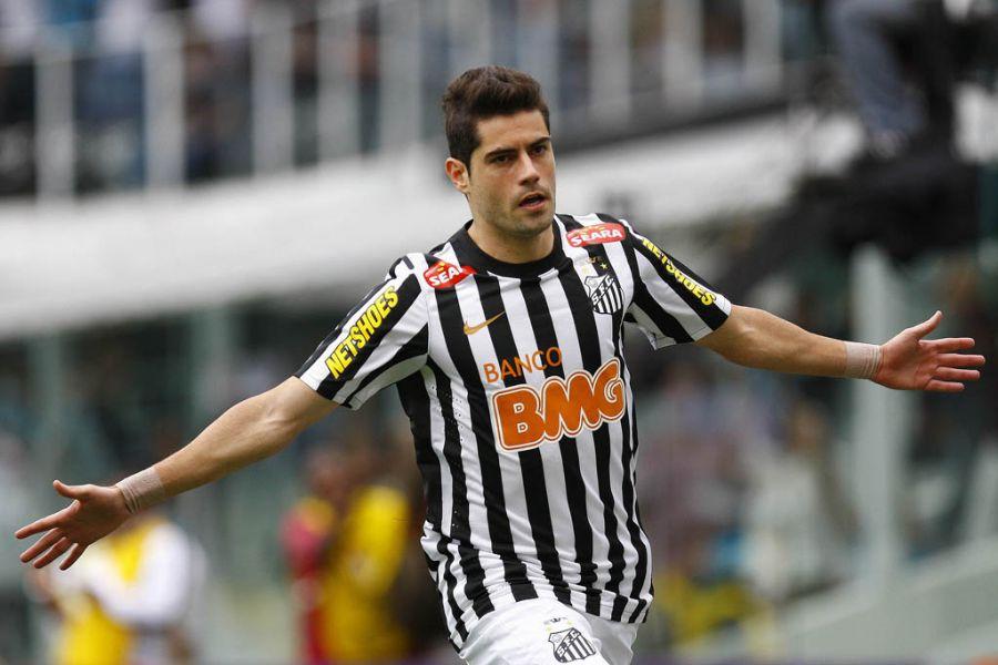 Miralles marcou os dois gols da vitória sobre o Vasco / Ricardo Saibun/Agif/Folhapress