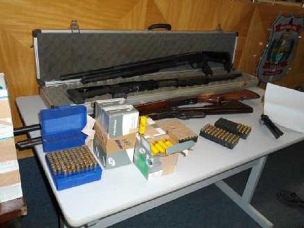 Foram apreendidos revólveres e carabinas, entre outras armas/FOTO: LUSIANA FREIRE