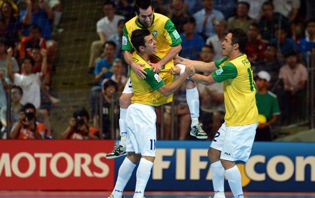 Brasil bate Fúria na prorrogação e conquista o hepta no Futsal