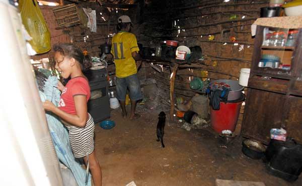 Pobreza e desprezo por parte da administração